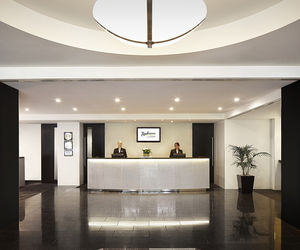 Radisson on Flagstaff Gardens - Hotel Reception