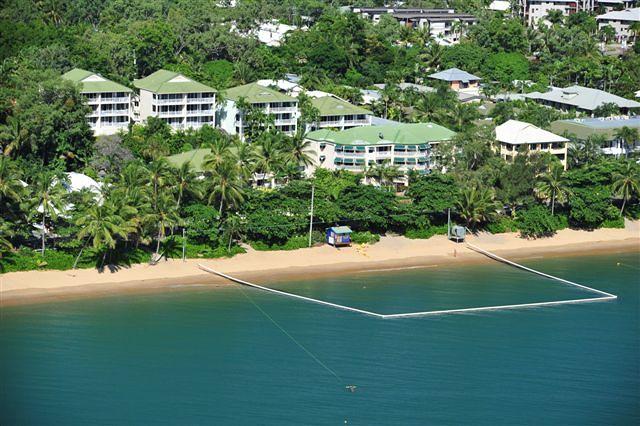 on the beach holiday apartments trinity beach qantas hotels rh qantas com