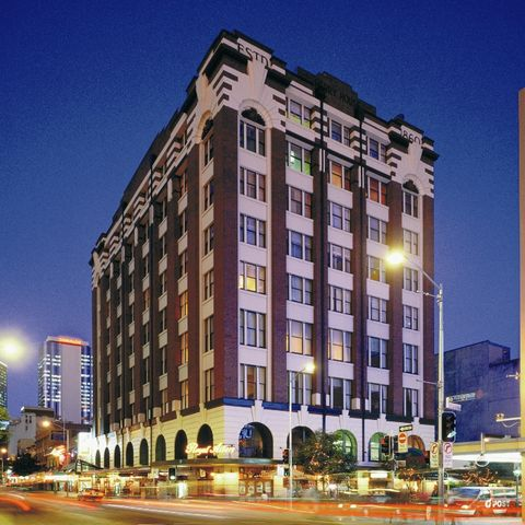 royal albert hotel brisbane qantas hotels australia. Black Bedroom Furniture Sets. Home Design Ideas