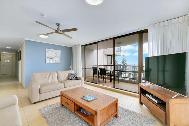 1 & 2  Bedroom Ocean View - Lounge