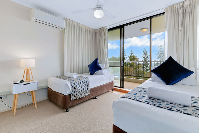 2 Bedroom Ocean View - Twin Bedroom