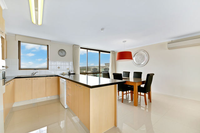 3 Bedroom Ocean View - Kitchen
