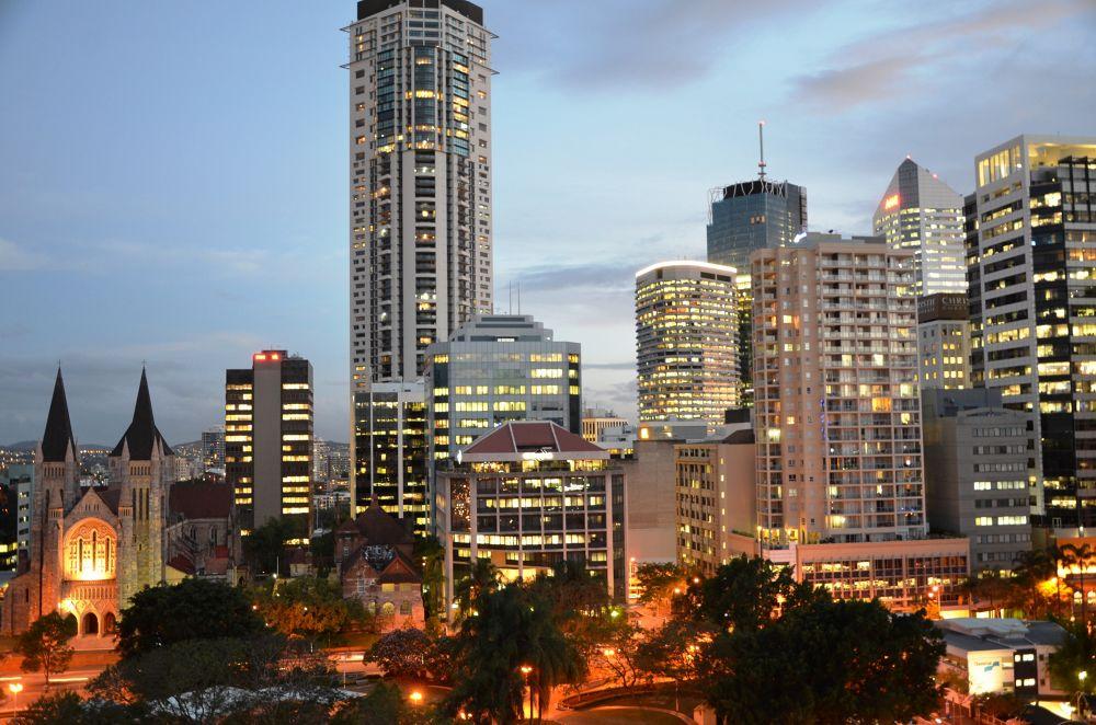 Brisbane CBD At Sunset From Frisco Apartments