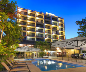 Travelodge Hotel Rockhampton - Pool Area