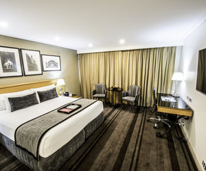Rydges World Square Sydney - Deluxe King 1