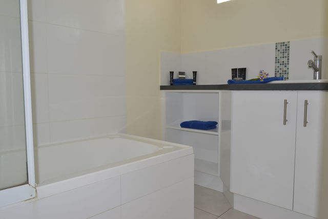 3-Bedroom Self Contained Apartment Bathroom